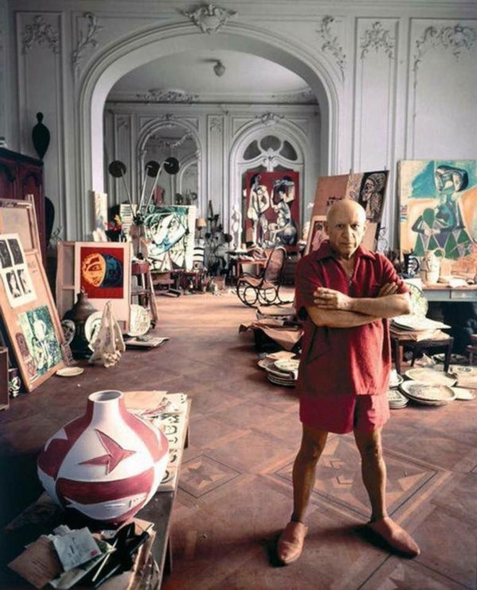Pablo Picasso at his home studio in France, 1956 <br>http://pic.twitter.com/EKY69Anodf