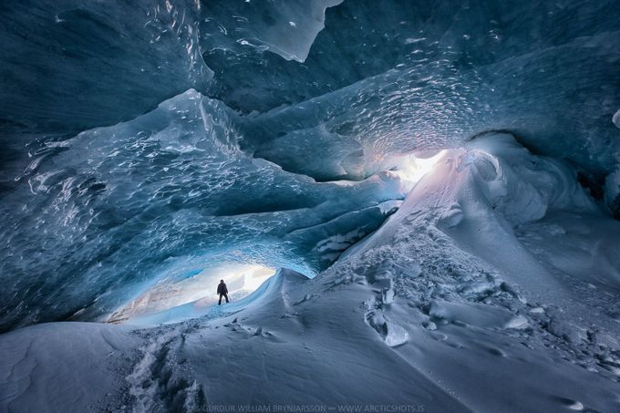 """Community Spotlight: viewbug PRO SiggiPhoto """"Shot on a trip to one of the ice caves of Iceland. 14 hours back and forth but so worth it""""  Canon EOS 5D Mark IV Aperture f/8 ISO 400 https://buff.ly/39sPhXW"""