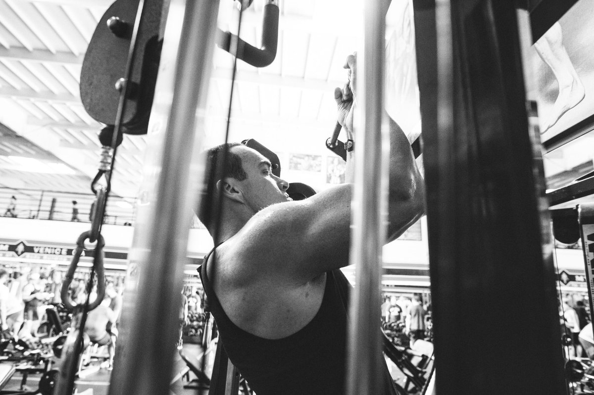 Working out 5-6 times a week again, getting bigger and back in shape!  💪💪 Вновь тренируюсь 5-6 раз в неделю, становлюсь больше и возвращаюсь в форму! #alexandernevsky #александрневский