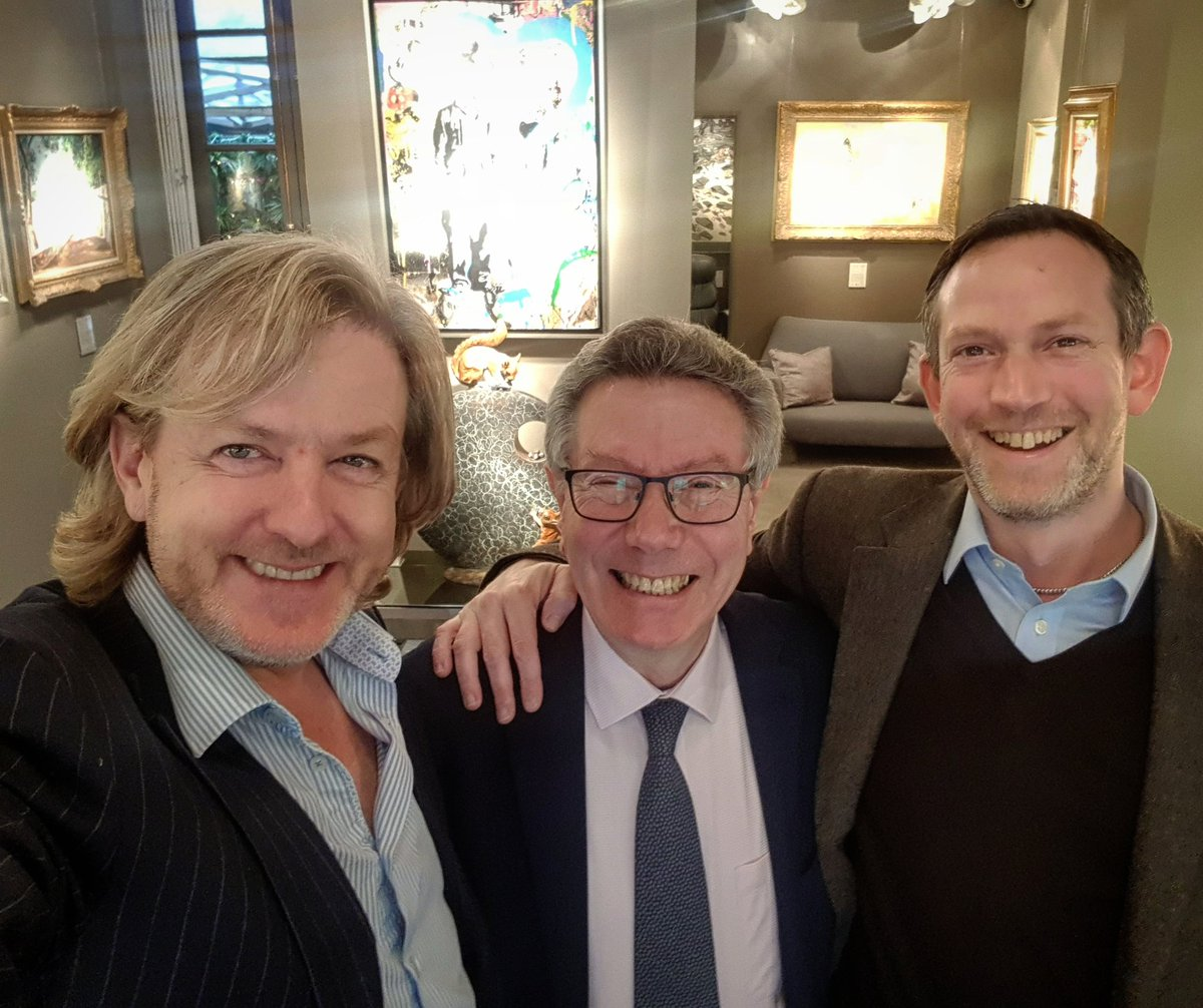 Thank you gentlemen for a great afternoon at our London #BelgraviaGallery. A wonderful opportunity to reflect on our successful @ADFLfairs Mayfair Art & Antiques Fair over a cup of Clive's best coffee #londongallery #interiordesign #designdistrict #belgravia #chelsea #sloansquarepic.twitter.com/Z3lu9e55h1