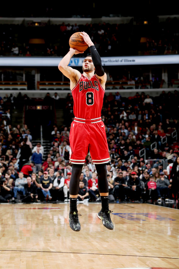 Zach LaVine has scored at least 25 points in each of his last five games, the longest such single-season streak by a @chicagobulls player since Michael Jordan's 9-game streak in 1997-98.