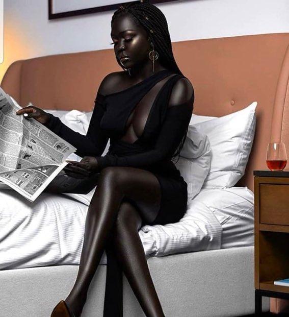 人肌でこんな綺麗な黒、初めて見た。Queen of Darkness _ Nyakim Gatwech