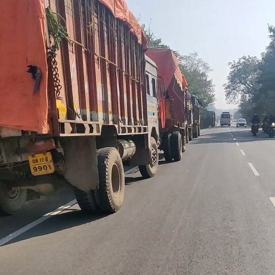 As we know parking is illegal on Highways ,over bridge , but still these trucks are being regularly parked here,At- Nagenpali Over Bridge,Infront of EICHER tractor showroom. Most the time they headed towards us from wrong side of the road. So many accidents alrdy took place here.<br>http://pic.twitter.com/XorNfngBgV