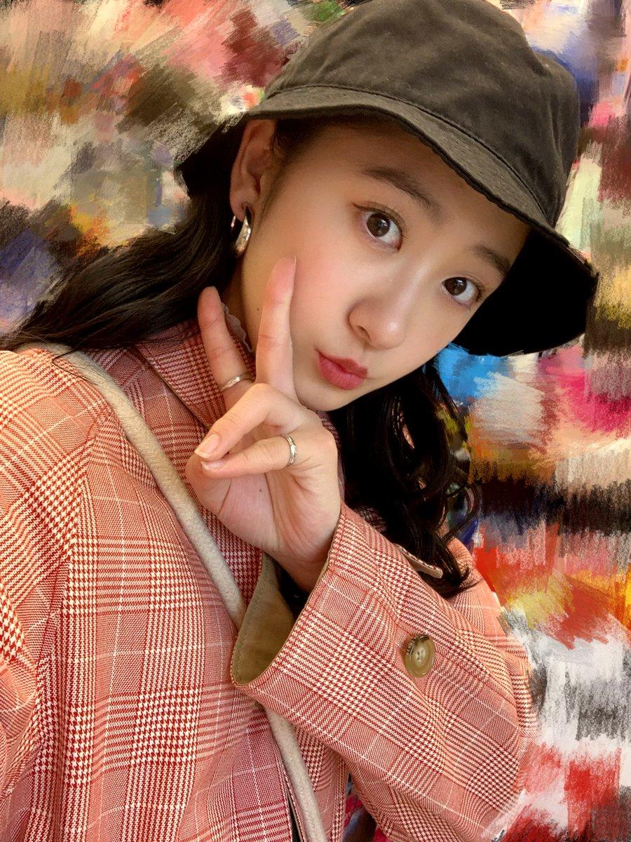 【Blog更新】 感動 秋山眞緒: みなさーーんこんばんわあきやま まおです☺️いっぱい食べてお腹が幸せ。New coat…  #tsubaki_factory #つばきファクトリー