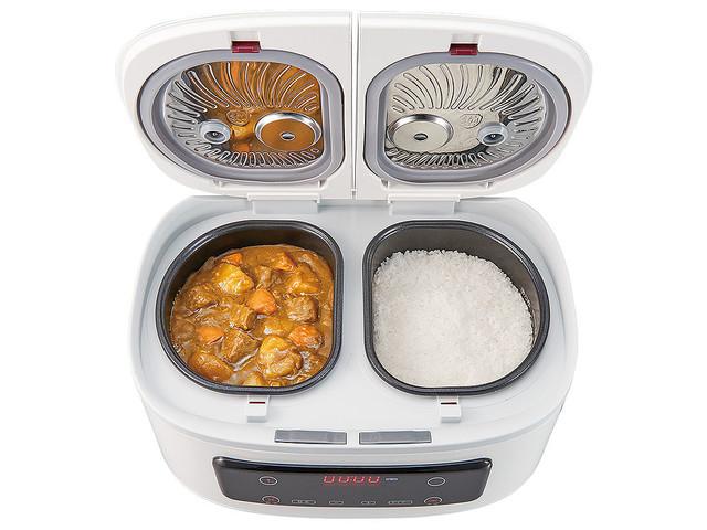【便利】ごはんとカレーが同時に作れる!自動調理鍋「ツインシェフ」付属の蒸しプレートで同時に蒸し調理もできるという。調理できる量の目安は、ご飯4合、カレー約6皿分。