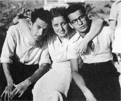#FotodelGiorno: Renato Guttuso, Topazia Alliata, Basilio Franchina. 1941 pic.twitter.com/s9yyfm66OX