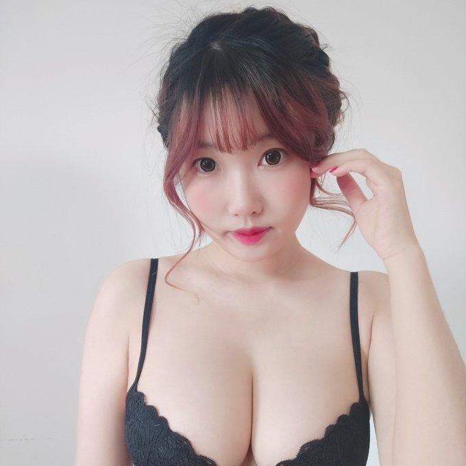 コスプレイヤー是小欢YAのTwitter自撮りエロ画像11