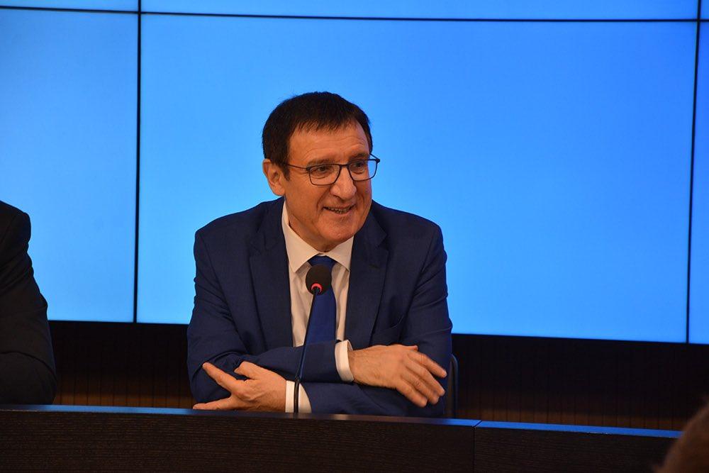 """LPK nach unserer Klausur - FV Reinhart zu #Sparen: """"Die Niedrigzinspolitik der #EZB darf die Sparer nicht weiter belasten. Sparen ist ein Kulturgut, das für die nachhaltige Sicherung unseres Wohlstands entscheidende Bedeutung hat."""" #ltbw #landtagbw pic.twitter.com/cQkxP7QSDN"""