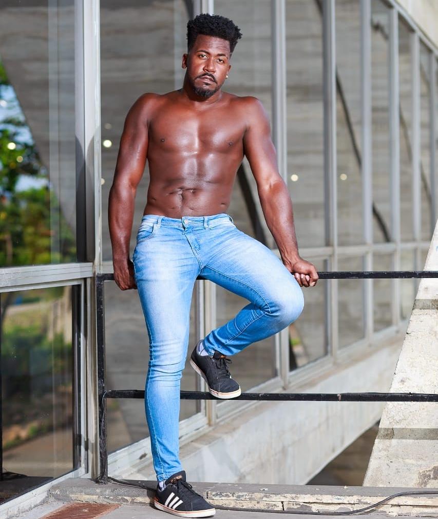 Nada paga minha liberdade    Fotografia: @al_fotografia  Produção: @phbarbosasilva1 #twomodelsbrasil  #blackmodel #modelosnegros #negroslindos #nigga #negrosoul #wakandaforever #pretos  #pretinhosdopoder #southafrica #southbrasil #verao2020  #casting #castingmodel #bookstagrampic.twitter.com/qiB4OGbTBm