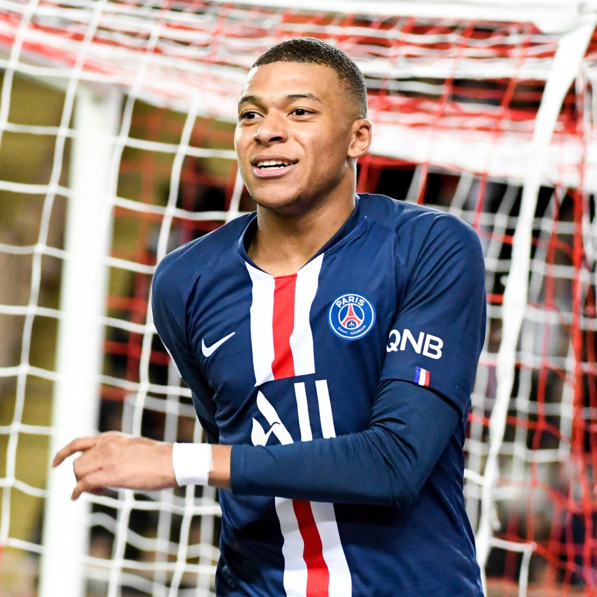 🔴🔵 Kylian Mbappé in all competitions for club & country this season = 🔥🔥🔥  ⚽2⃣3⃣ 👕2⃣1⃣  #UCL