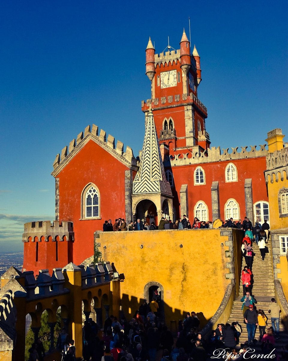 Sintra, Palacio da Pena!  . #nikon #portugal #sintra #sintraportugal #conociendo_espana #pic_of_spain #world_spain #world #instantes_fotograficos #detras_delobjetivo #asi_es_miplaneta #enfoque_spain #viajeros #viajandofamilia #total_spainpic.twitter.com/pX8eE2jrRL