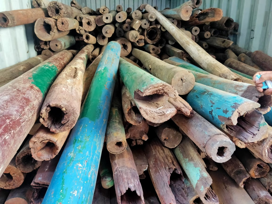 DRI seizes 9.64 metric tonnes of Red sandalwood worth Rs 4.82 crores kept in Mundra port of Gujarat for smuggling abroad