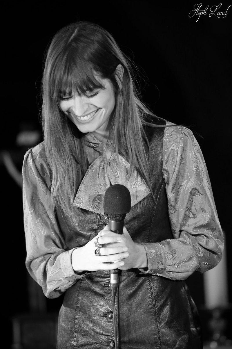 Clara Luciani ! @claraluciani Concert @TopmusicAlsace VIP à l'église Saint-Guillaume de Strasbourg. #claraluciani #topmusic #topmusiclive #topmusicvip #canon #canonphotography #ff #fullframe #pleinformat #igersfrance #strasbourg #stras #strasbourgmonamour #alsace #BasRhinpic.twitter.com/lRFY1Ugw2R