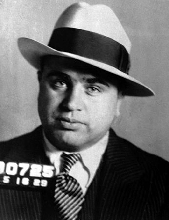 """Raise a glass—today is the 100th anniversary of Prohibition, which led to the #FBIs pursuit of the American gangster. During the Roaring Twenties, mobsters spent their profits from bootlegging & speakeasies on """"Tommy"""" guns & bribes. Read more #history at ow.ly/8GHX50xSxbH"""