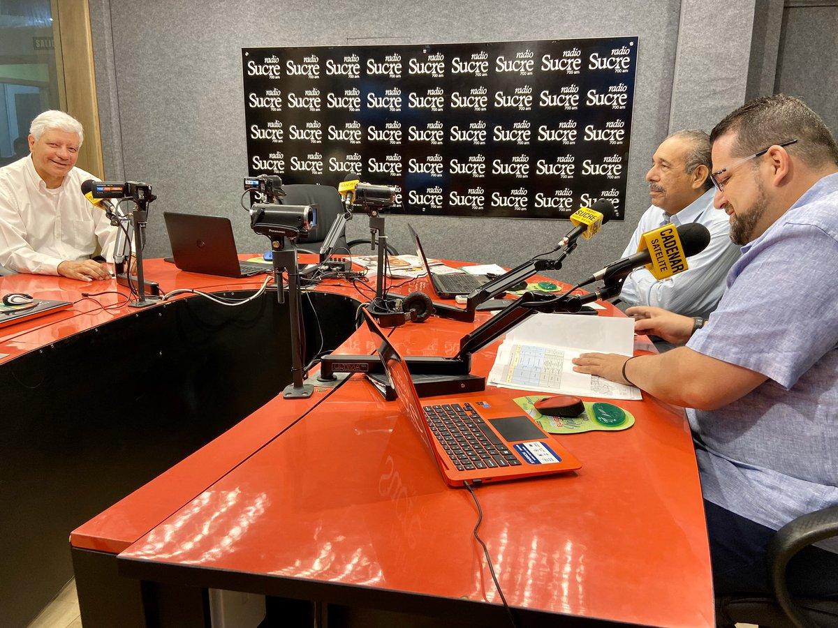 Buenos días, #Guayaquil.  Iniciamos la mañana con una entrevista en @radio_sucre700, junto al Ing. Fernando Amador, Director de Transporte Público y el Ing. Fernando Navas, Director de Planificación de Control de Tránsito.   ¡Sintonízanos en 700 AM!
