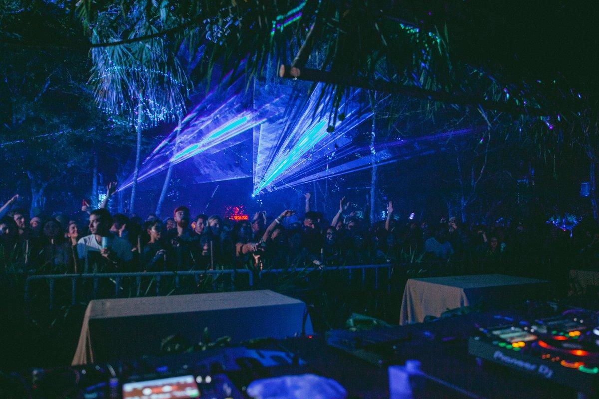 Noches que nunca olvidaremos rodeados de los mejores sets, amigos y el entorno mágico de #Tulum 🌴☀️ https://t.co/hWhUxewE3h