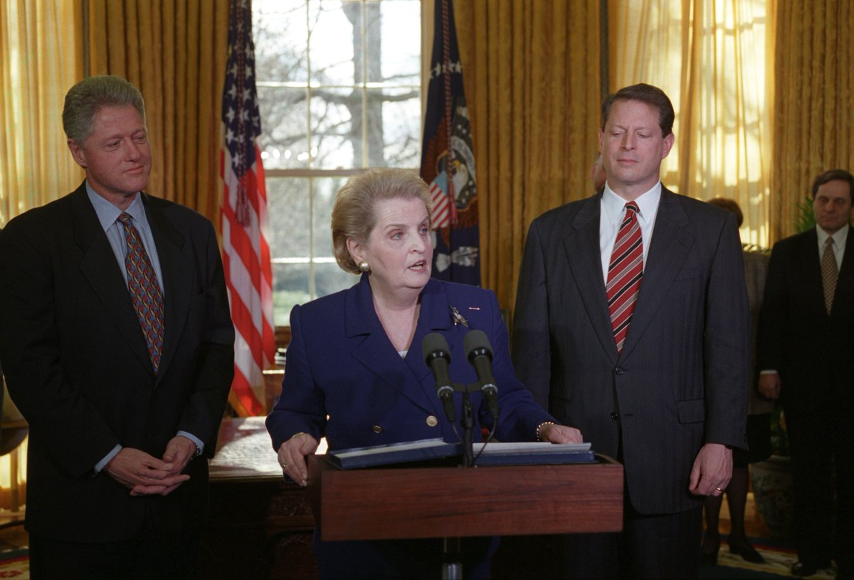 #OTD in 1997, @madeleine Albright was sworn in as U.S. Secretary of State. Nominated by President @BillClinton, she was the first woman to serve in that role.