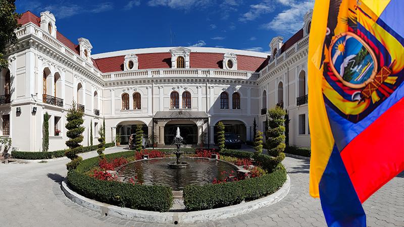 """Cancillería Ecuador a Twitter: """"Embajada del Ecuador en China  @EmbajadaEcuChi, establece que no hay afectados por coronavirus entre  ecuatorianos residentes en Wuhan. Conoce los detalles de esta importante  información aquí: https://t.co/P4Df4ZRxwk ..."""