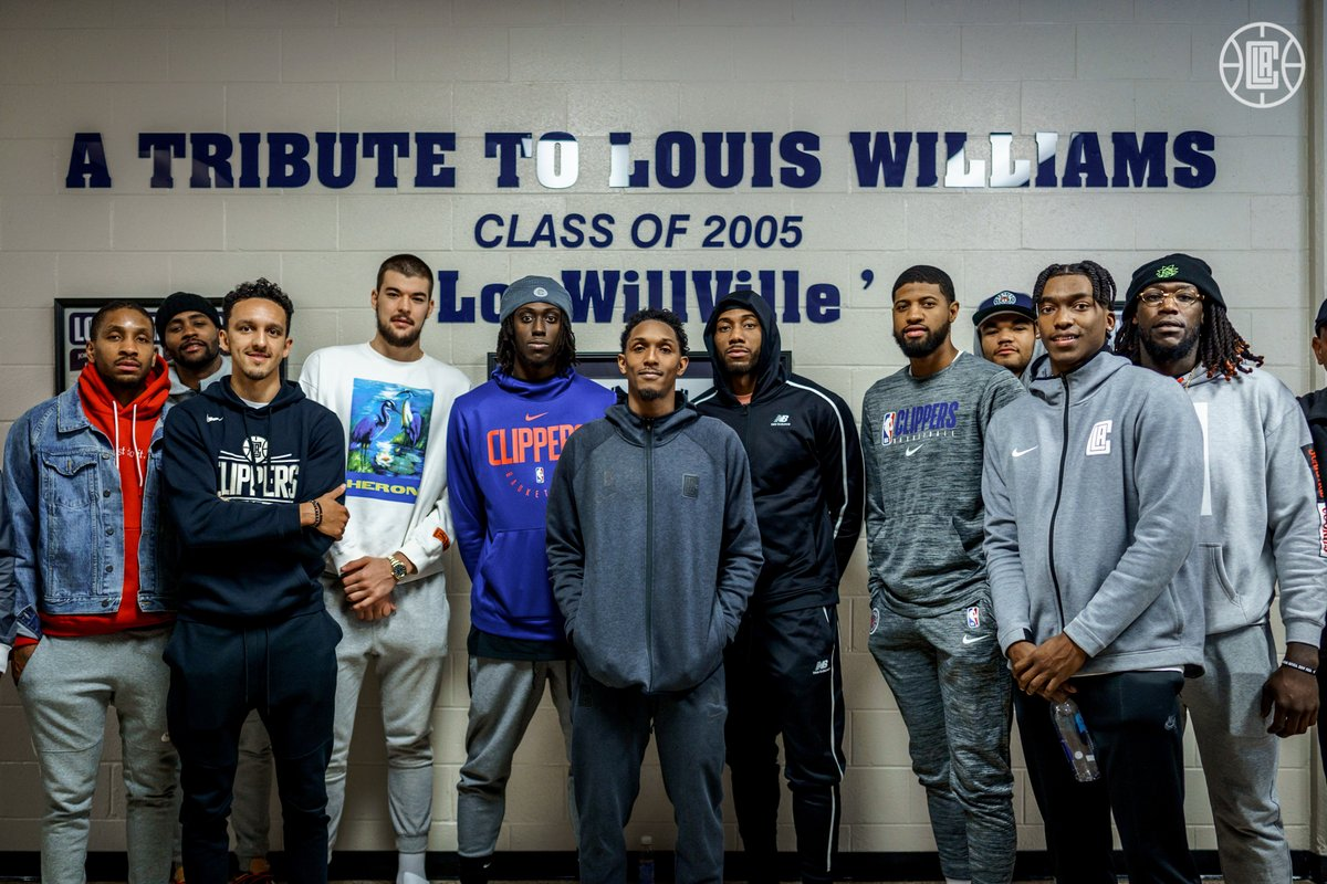 𝘼 𝙏𝙧𝙞𝙗𝙪𝙩𝙚 𝙩𝙤 𝙇𝙤𝙪𝙞𝙨 𝙒𝙞𝙡𝙡𝙞𝙖𝙢𝙨  The team turned out for @TeamLou23's 'LouWillVille' court dedication at South Gwinnett High School.