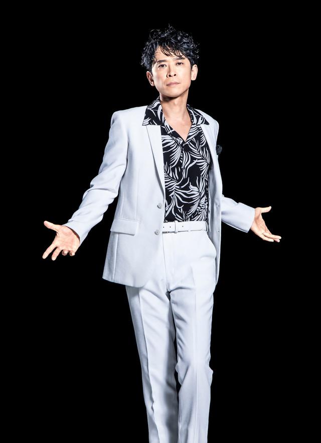 坂本昌行が12年ぶりにピーター・アレン演じる、ミュージカル「THE BOY FROM OZ」