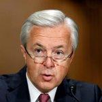 Image for the Tweet beginning: Regulator charges ex-Wells Fargo executives