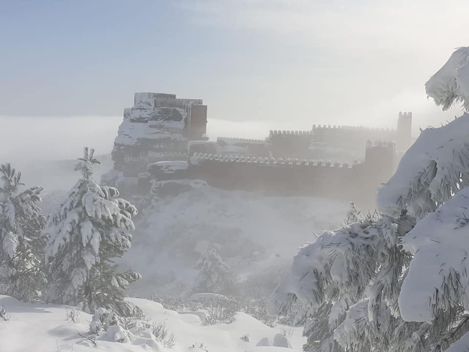 Winterfell is in Peracense, Teruel, Spain. @GRRMspeaking @GameOfThrones <br>http://pic.twitter.com/zeszTY3oym