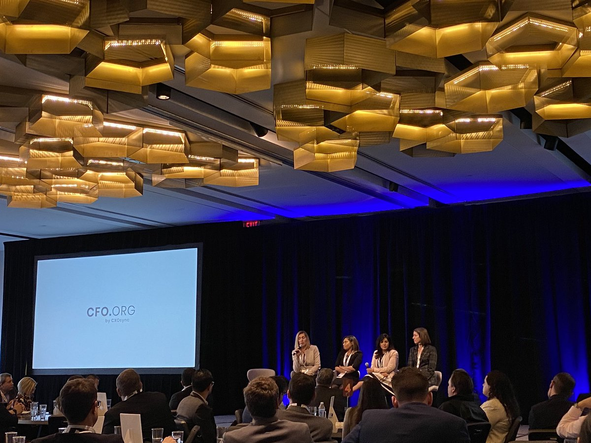 Thanks to the Women in Finance panel at #CFOdallas for an empowering discussion on the importance of building a community of women in the industry and redefining work-life balance. https://t.co/UFS4ZmMyHL