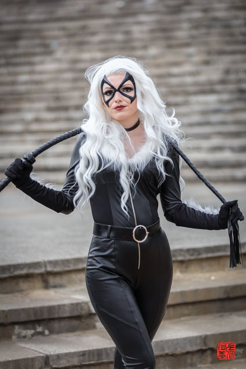 """Hey. You wanna go steal something?"" Black Cat   Cosplay by mistress.of.mischief_ (IG) Photos by @FoodAndCosplay  Taken at @MCMComicCon London 19  #cosplay #feliciahardy #blackcatcosplay #marveluniverse #marvelblackcat #spiderman #spiderwoman #marvel #marvelcomics #spiderversepic.twitter.com/1JvI5BLZaI"
