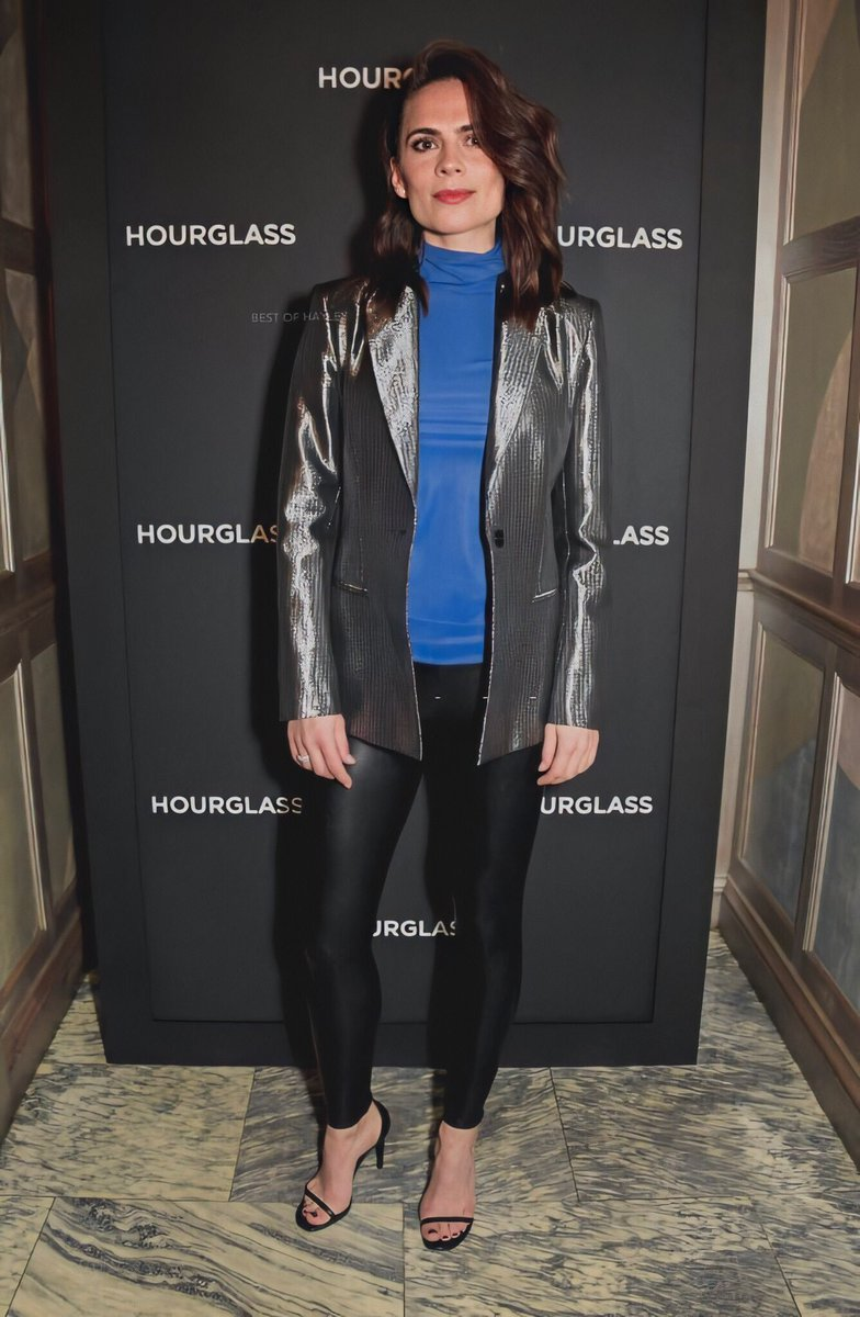 Hayley Atwell at Hourglass launch party  <br>http://pic.twitter.com/oGN4Yzr2EB