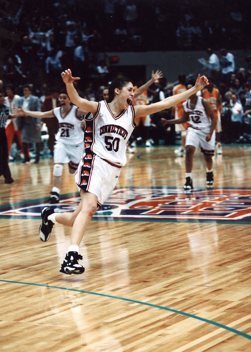 UConn vs. Tennessee... Forever a classic 📸