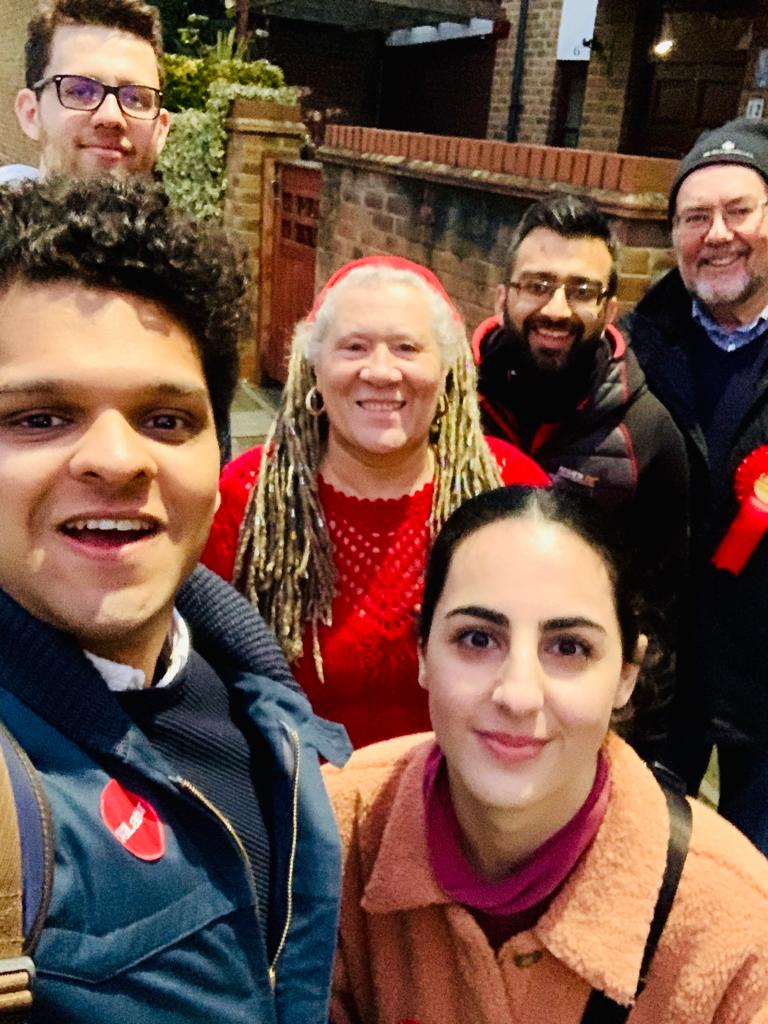 Great to be joined by team @HarrowLabour @tktkashan @RashmiKalu @CllrCrane @BrentLabour in #Barnhill to get the vote out for @MansoorBarnhill and Gaynor Lloyd