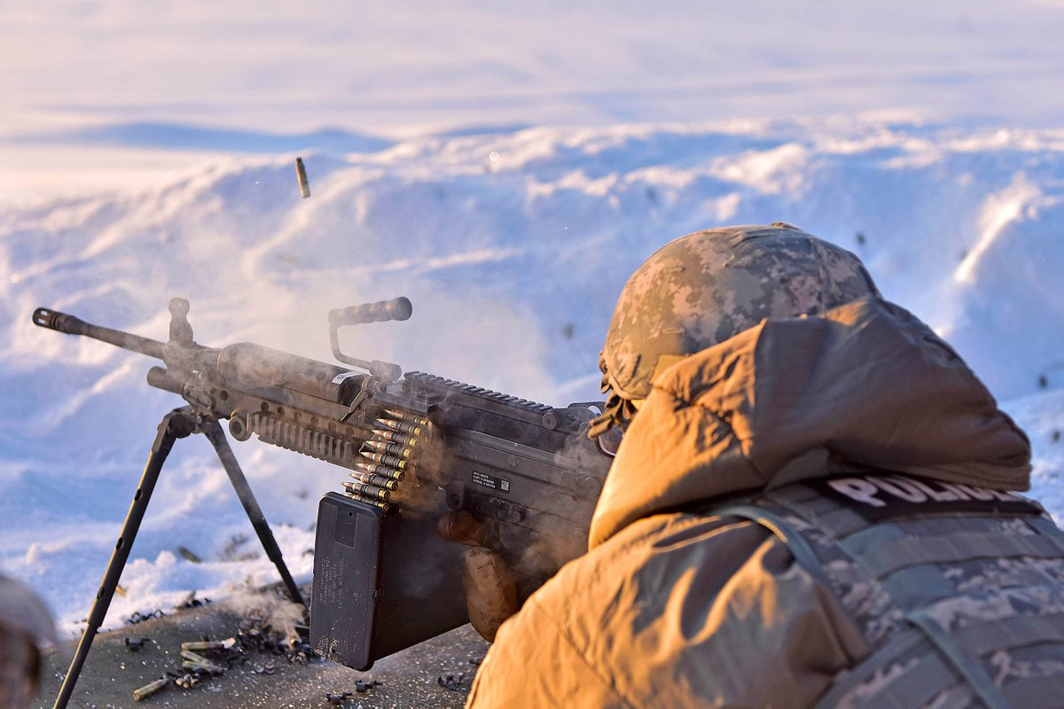 The cold won't slow down the @usairforce! The Air Force is working with  the @usarmyccdc to test cold weather gear and ensure troops can win the fight, no matter where it takes them. <br>http://pic.twitter.com/A6FOJhu4Ye