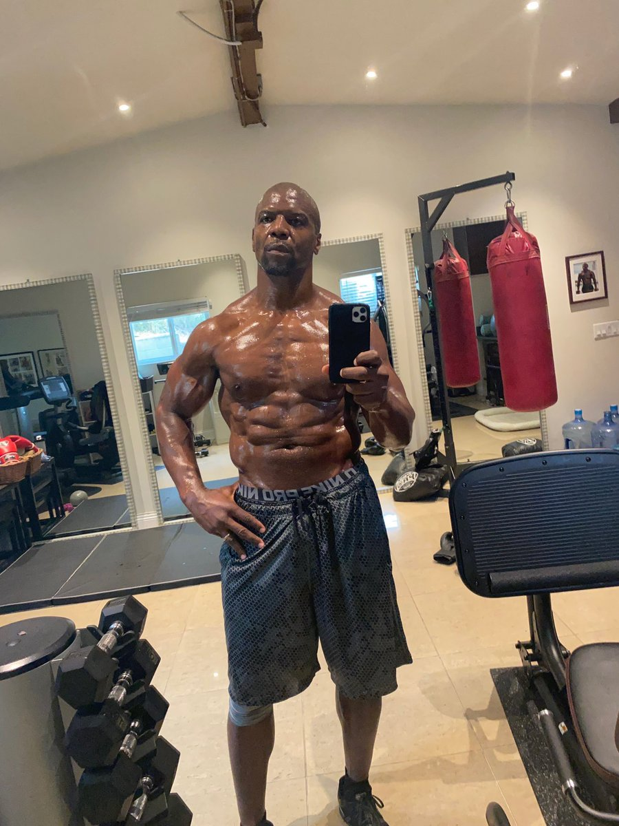 Someone said @terrycrews look like a Chewed Up Tootsie roll 🤣🤣🤣  I can't unsee it now 💀💀💀