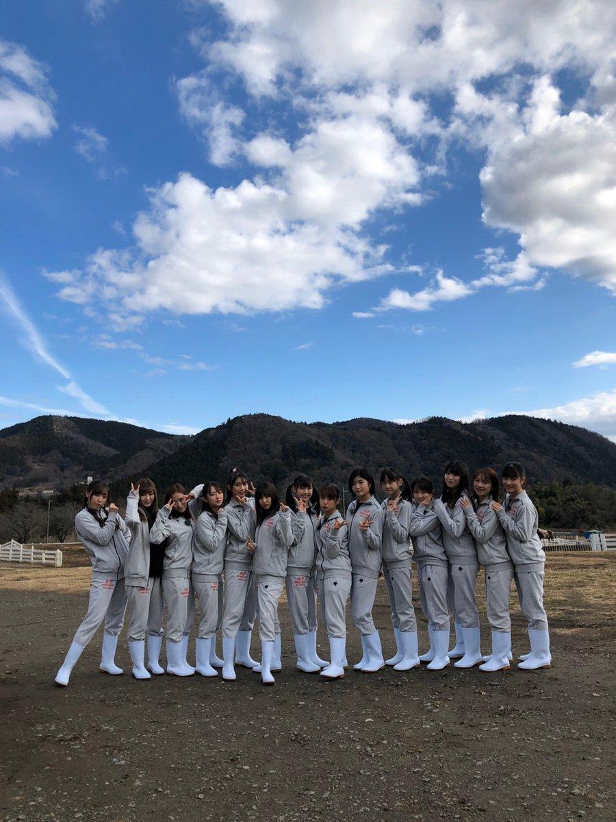 【13期14期 Blog】 青空の下。 加賀楓: こんばんはー!!加賀楓でーす(≧∇≦)「ハロプロのお仕事チャレンジ…  #morningmusume20