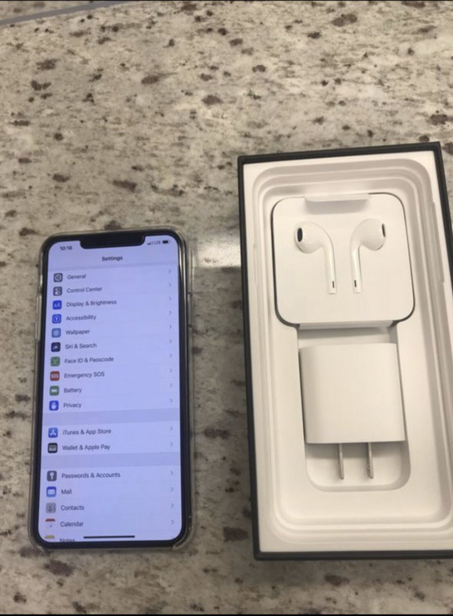 iPhone 11 | White64GB Dm Us For Details!! #WeDoFreeShipping#explorepage #explore #apple #iphone At 300 followers we're giving away a free iPhone Xpic.twitter.com/jDAQBA6Dsy