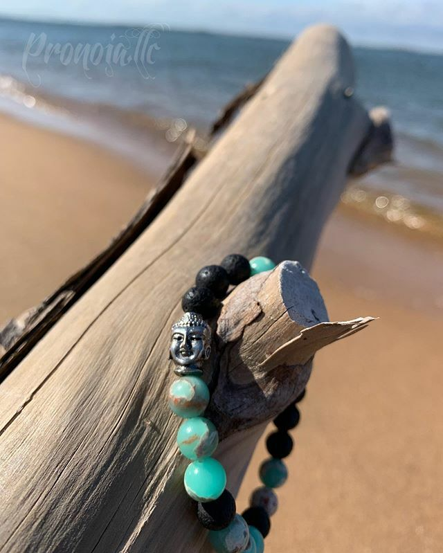 #RT @pronoia_llc: Perfect...... the beach, Lava stone, Jasper and Buddha #stack #positivevibes #beachlife #madeonlongisland #attractwhatyouputout #theuniversehasyourback #ny #buddhajewelry #yoga #namastebitches #bossbabe #gemstonejewelry #brace…pic.twitter.com/Wi9a5bTK7N