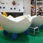 「ぐりとぐら」に出てくる卵の車!池袋三省堂の児童書売場に登場!