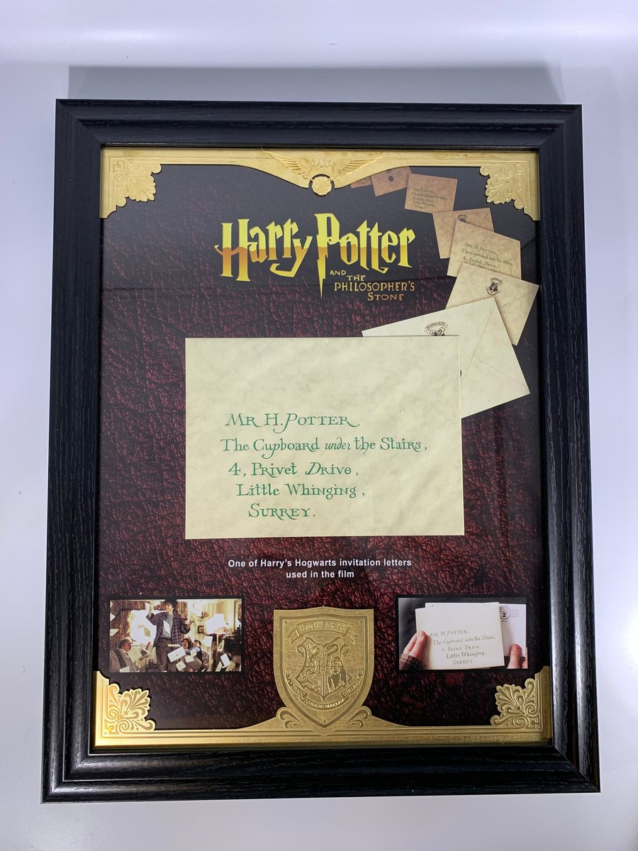 Calling all the #harrypotter #fans  We have this amazing Harry Potter Production Used Letter / Envelope with Brass Detailing available to purchase from our store  The frame comes with our signed Reliquary certificate of authenticity#movieprops #harrypotterpropspic.twitter.com/x7iBpTefF1