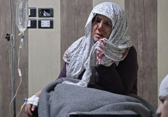 ⬜️ シリアのイドリブで15日、政府軍の空爆により一般市民少なくとも18人が死亡、野菜市場と修理工場が被害を受けた イドリブは、12日、ロシアが停戦を発表していたが、その後も空爆や砲撃、地上戦が行われ、この停戦は破られた… https://t.co/Im1e5xxuw0