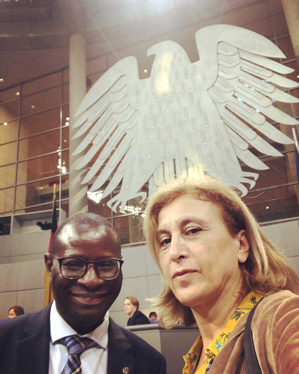 Im Deutschen #Bundestag mit #KarambaDiaby kämpfen wir für #Vielfalt und gegen #Rassismus - In #Friedrichshain #Kreuzberg und #Halle gilt: Mach meinen Kumpel nicht an #noAfD #nonazis