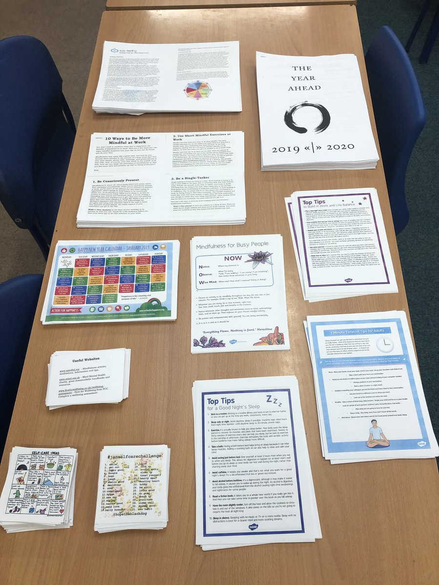 Set up ready for the @NeneEducation Reconnect Session - Mindful Review.  Looking forward to seeing lots of colleagues from across our schools @StanwickP @Manor_School @RaundsStPeters @RaundsPark @WindmillRaunds @WoodfordSchool @NewtonRoadScho1pic.twitter.com/c0BsWUJ0Ap