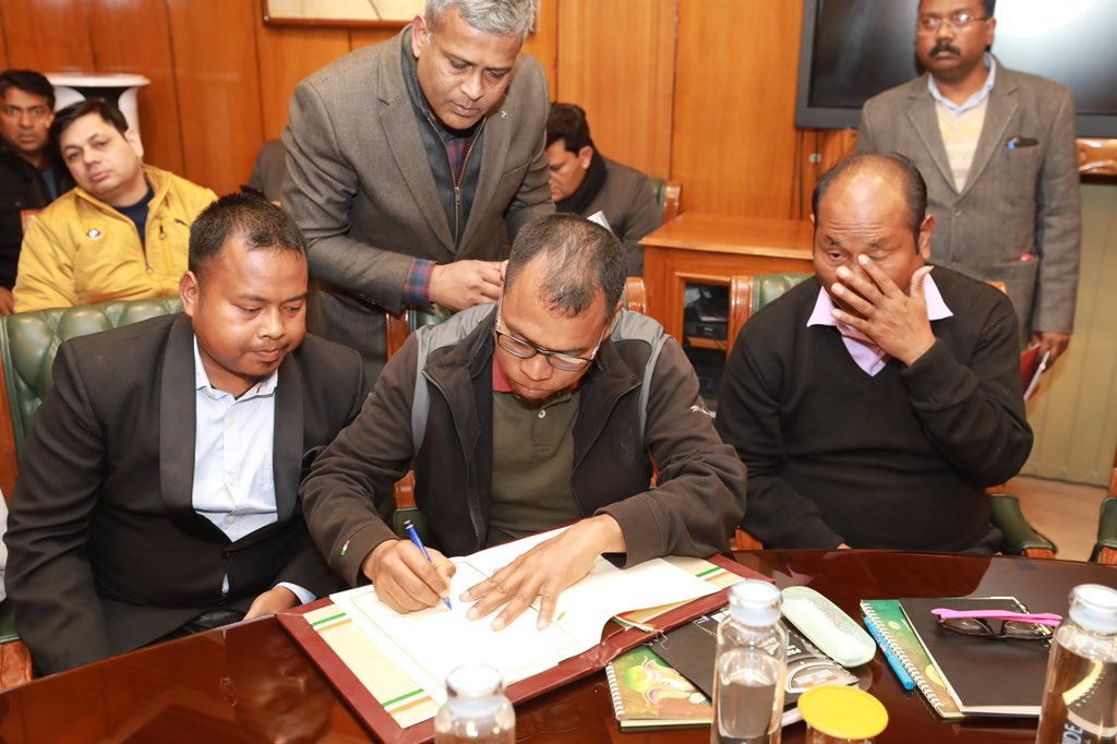 Big congratulations to my tribal brothers and sisters from Bru-reang community. Today, an agreement was signed between Govt of India, State government's of Tripura & Mizoram, Bru-Reang representatives to end a long pending 23 year old refugee crisis which affected 34000 people.