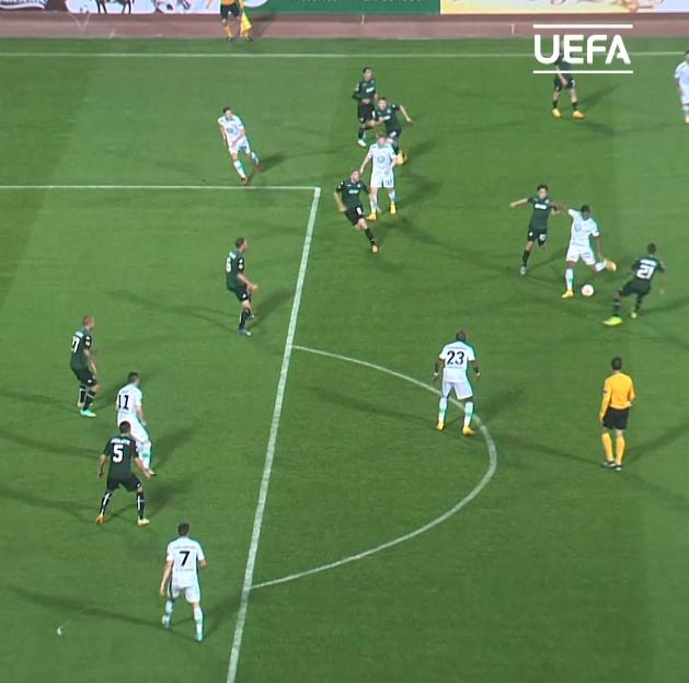 Luiz Gustavo for Wolfsburg    #UEL    #ThrowbackThursday
