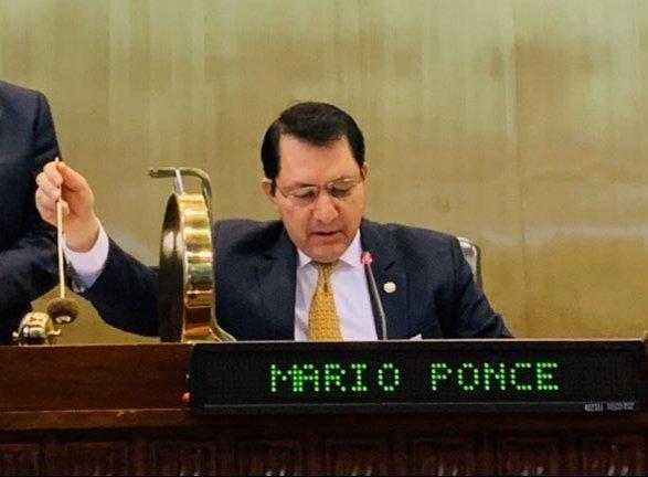 Mario Ponce, presidente del Parlamento, no respaldó voto desde el exterior