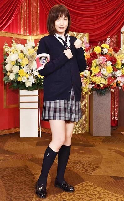 【初公開】本田翼、「ゴチ」新加入で制服姿を披露「さすがにちょっとキツいかな…」と苦笑い「自分で選ばせていただいて、高校生の時に着ていた制服をイメージしてみました」と語った。