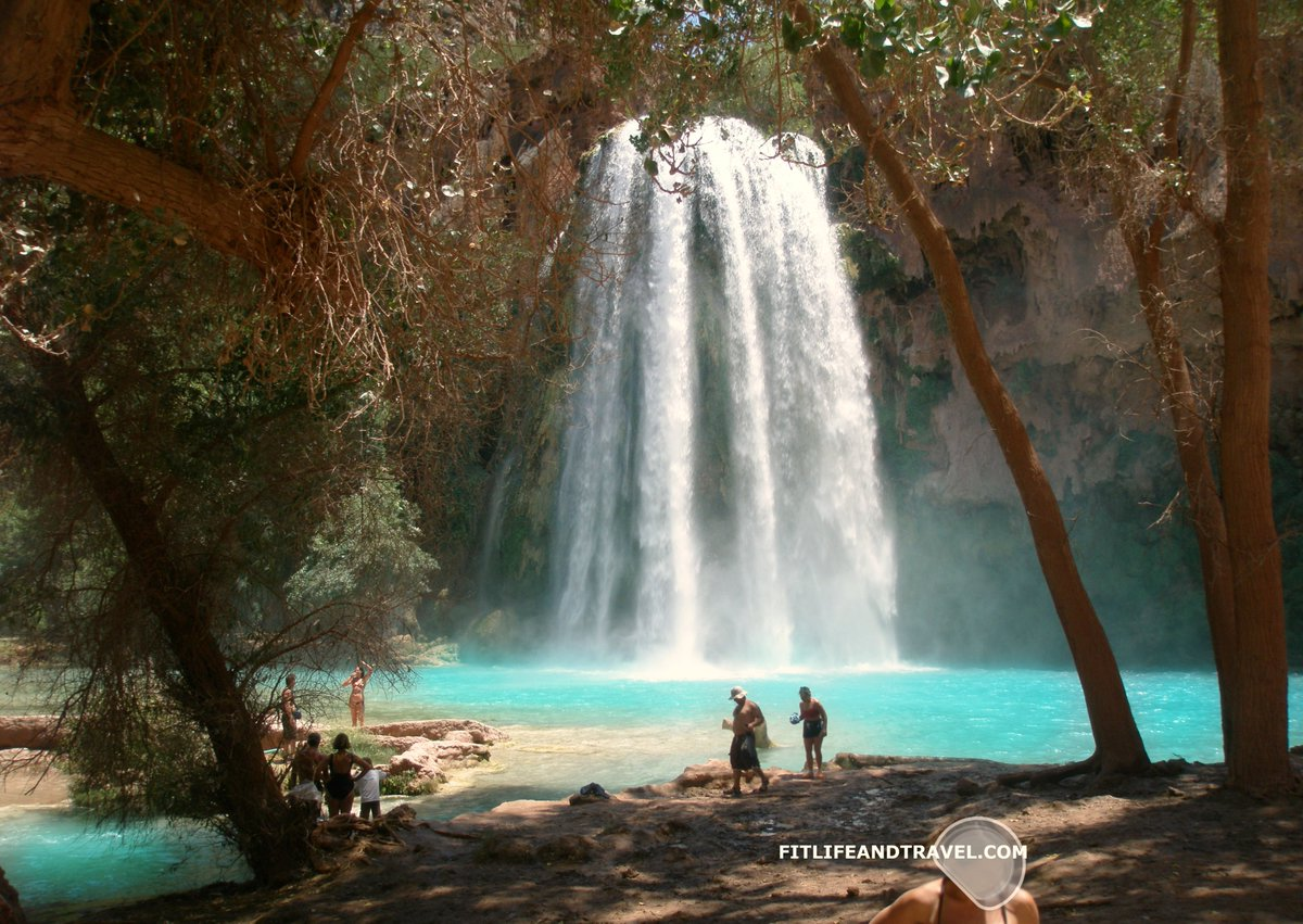 @always5star @MyVirtualVaca @RoarLoudTravel @suziday123 @RoadtripC @travelwithirine @CourseCharted @TravelBugsWorld @TouringTastebud @monstervoyage @RickGriffin @SashaEats I wish I could go back to our Havasupai Falls hike and take video/more photos. Was too focused on staying hydrated and fueled to endure the entire hike (there and back). #ThrowbackThursday Lunch was awesome down here. #thursdayvibes #arizona #grandcanyon