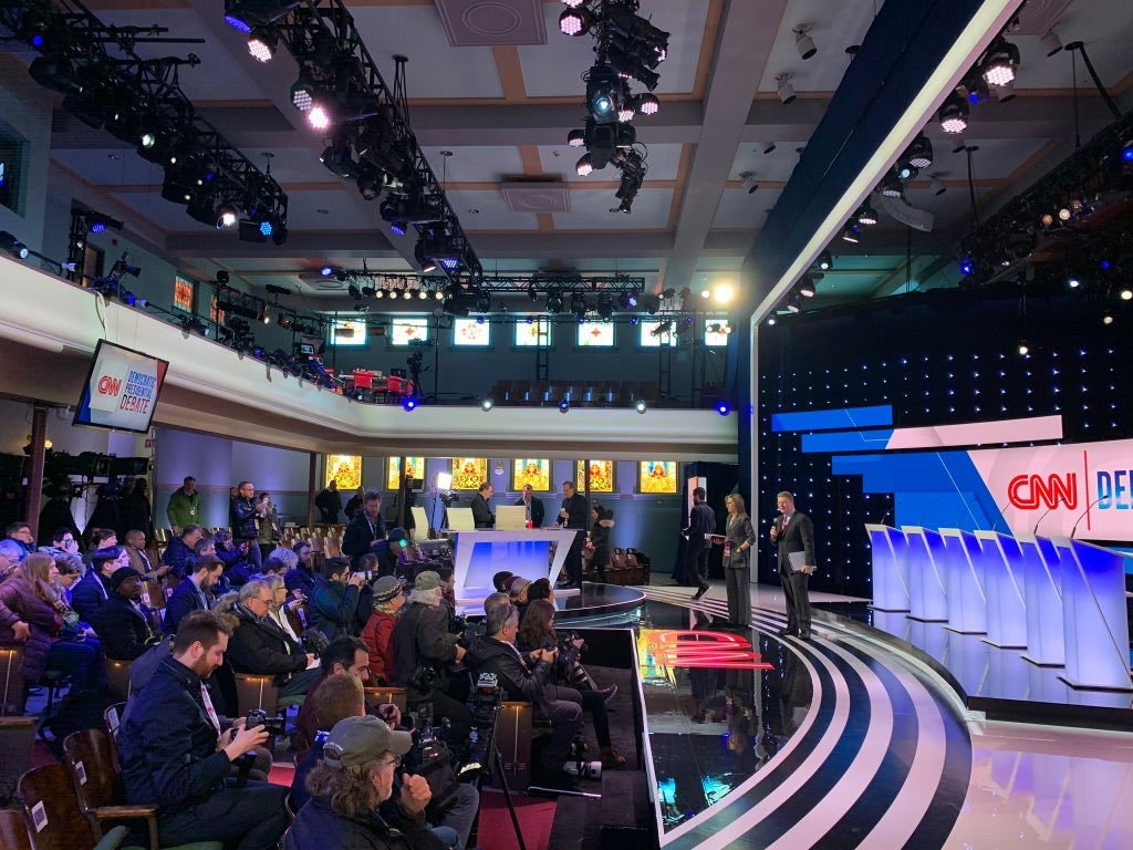 So there was no real audience for the latest #DemDebate? Only media and cameramen ... where would the audience even sit? Wasn't there applause during the debate? WTF? Am I missing something? <br>http://pic.twitter.com/69o5erS2uB