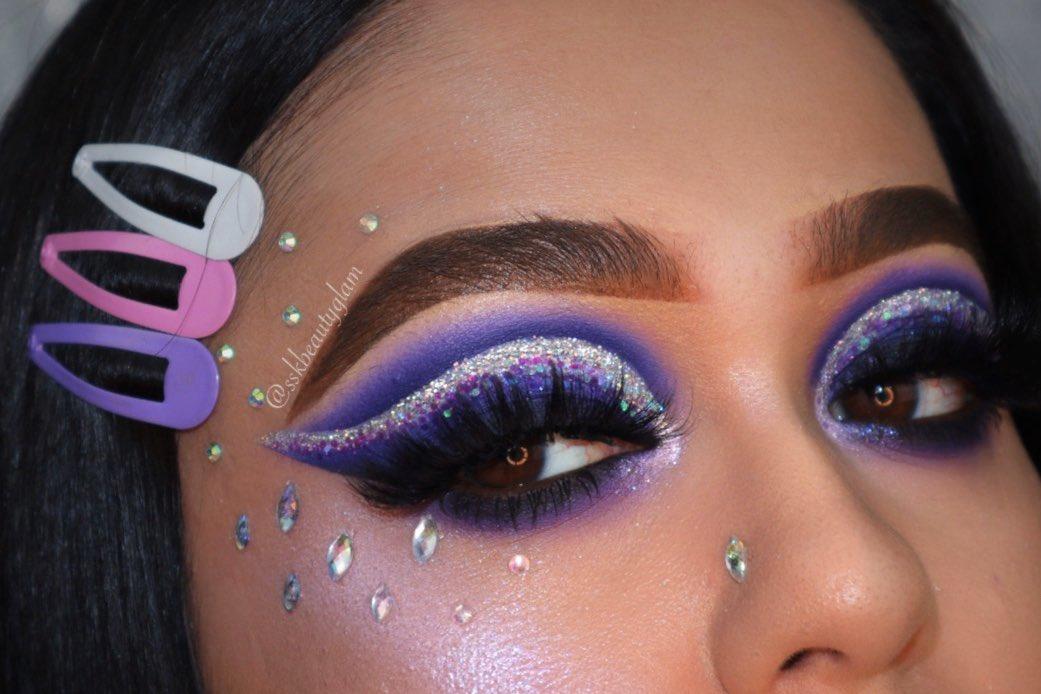 Inspired by gorgeous @norvina1  @MorpheBrushes 39S palette @NyxCosmetics glitter brilliants @KokieCosmetics Skin perfect hd foundation @ABHcosmetics Dipbrow pomade, Dipbrow gel #blogger #muas #thelist #makeup #makeuplover #norvina #abhbrows #muas #mue #makeupideaspic.twitter.com/IfSe6WQdZ4