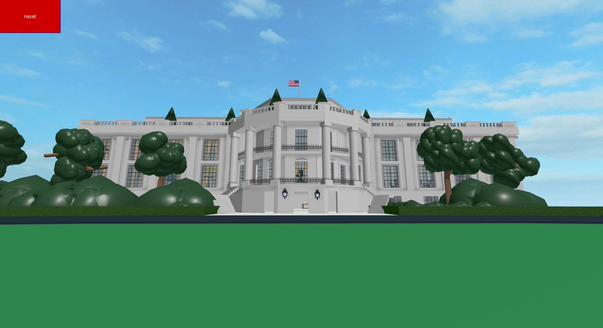 The White House in Roblox!!!  Creator: skate4 Date Uploaded: 8/14/2009 Last Updated: 2/4/2017 Link: https://www.roblox.com/games/14512276/The-White-House-in-Roblox …pic.twitter.com/ZGVRdkvTdy