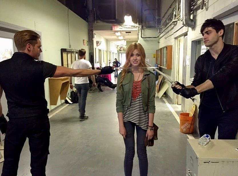 New/old pics of Dominic with the cast of Shadowhunters.   | via kat.mcnamara<br>http://pic.twitter.com/XniEteynTJ